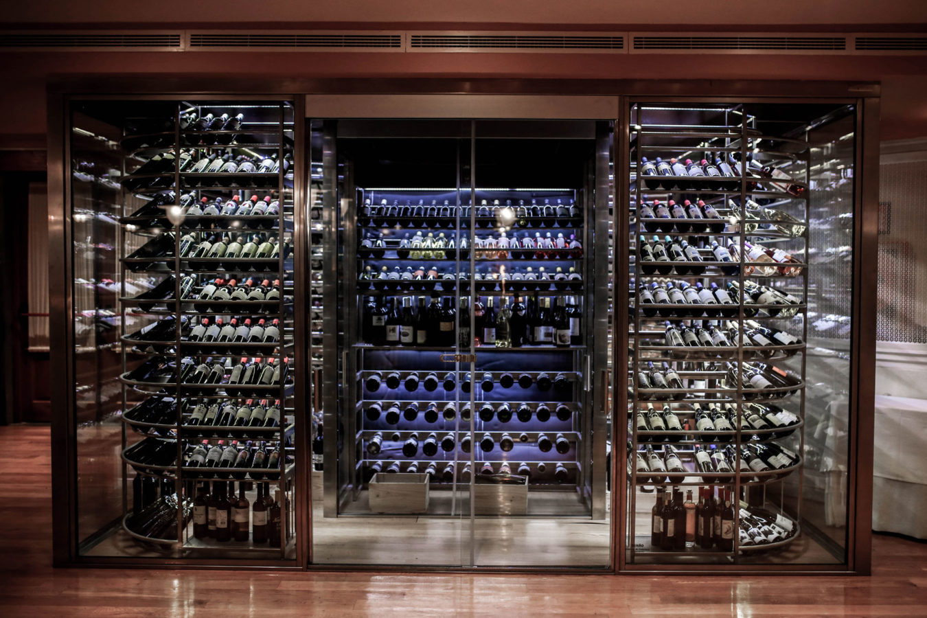 Image of the large wine room with a vast selection of wines at Finca km0